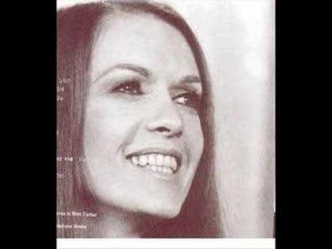 isabelle pierre, une chanteuse et animatrice québécoise qui eut une carrière de courte durée mais avec ce talent immense qui la caractérise