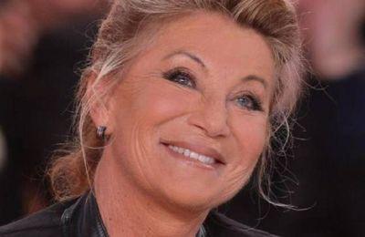 La chanteuse Sheila réfute être liée à la campagne de vaccination en faveur de l'AstraZeneca