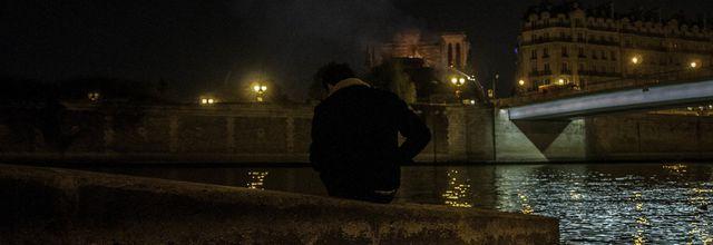 Paris brûle t-il ? photographies igor deperraz
