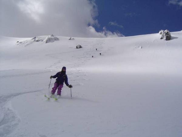 Voila des vacances au ski exotiques &agrave; 2 pas de la cote d'Azur: la rando &agrave; ski en Corse. Notice de l'album photo:</p><p><strong>Indication th&eacute;rapeutique:</strong> conseill&eacute; pour lutter contre la baisse de moral d'une journ&eacute;e grise et difficile.</p><p><strong>Posologie:</strong> toute g&eacute;n&eacute;ration en age d'appr&eacute;hender le nationalisme Corse.</p><p><strong>Voie d'administration:</strong> oculaire ou orale accompagn&eacute; de bruccio et figateli