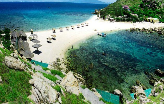 Tổng hợp những địa điểm du lịch hấp dẫn nhất ở Khánh Hòa
