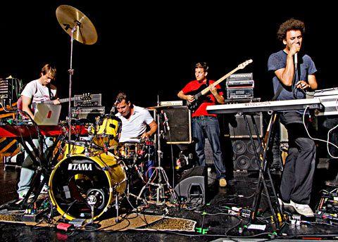 battles, un groupe de rock expérimental originaire de new-york qui télescope math rock et musique électronique