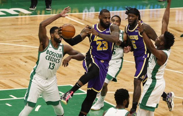 LeBron James et les Lakers remportent le choc de justesse face aux Celtics