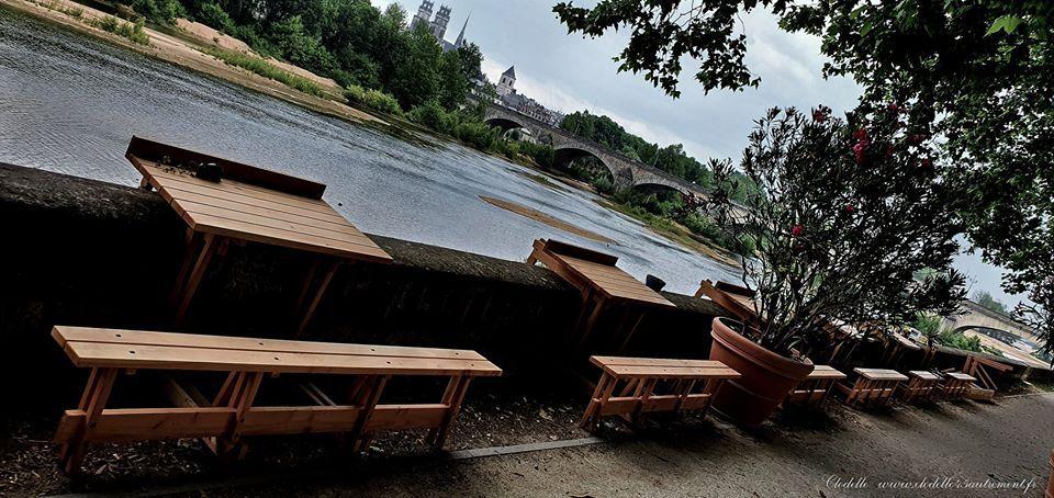 En juin la PAILLOTE #4, espace culturel en plein air d'Orléans, s'embellit petit à petit