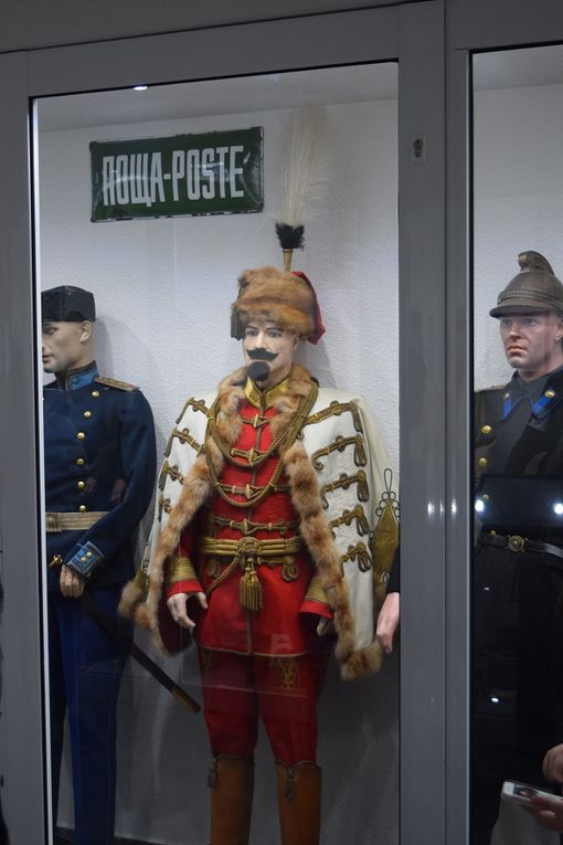 MUSEE sur la SECONDE GUERRE MONDIALE a LA WANTZENAU - LES UNIFORMES -