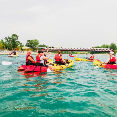 Calgary Rafting On the Bow River – The Easy Way Raft Rentals