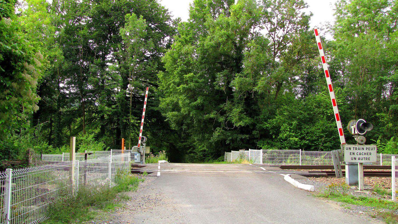 carrefour_Route Droite_voie ferrée