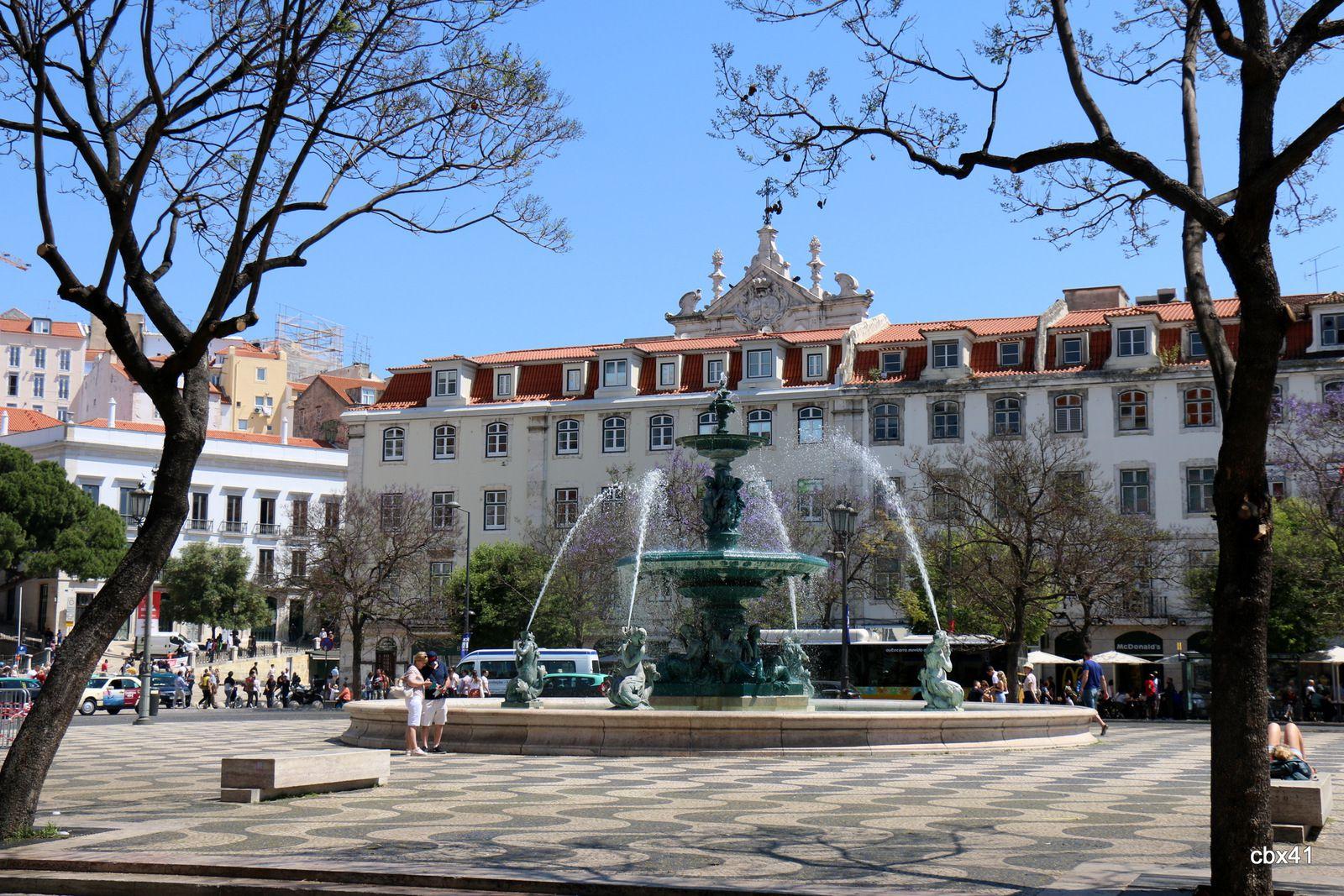 Fontaine (en eau) de la place Dom Pedro IV, Lisbonne (Portugal)