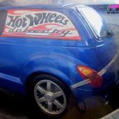 CHRYSLER PT CRUISER PANEL DELIVERY 2000 HOT WHEELS 1/18 - car-collector.net