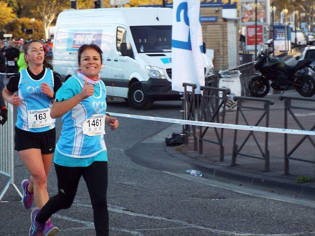 Les différents passages des coureurs du 10km de la Provence à David