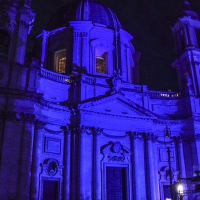 Place Navone en bleu!!