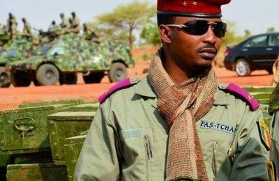 Tchad: Un gouvernement de transition mis en place par le fils du défunt président Idriss Deby Itno. Élections dans 18 mois