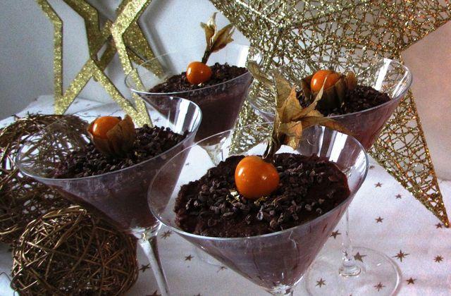 Mousse au chocolat, au grué de cacao et aux physalis