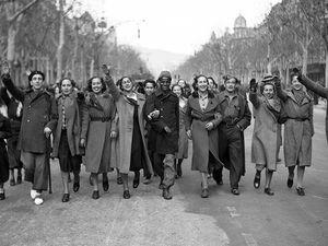 Nous sommes passés : Il y a 80 ans la libération de Barcelone par les troupes Franquistes !