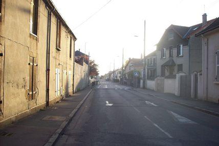 Quartiers Faubourg d'Arroux/Saint-Jean/Saint-André : la rue de la Croix Blanche.