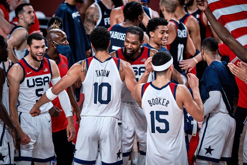 Face à Kevin Durant (29 points, 6 rebonds) et Jayson Tatum (19 points, 7 rebonds), l'Equipe de France a longtemps pu espérer un dénouement heureux mais leurs 18 balles perdues et une petite adresse de loin (10/31) ont été de trop face au talent américain (87-82).