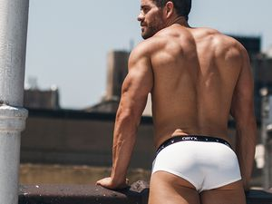 Eric Turner pour Oryx Underwear ..more !