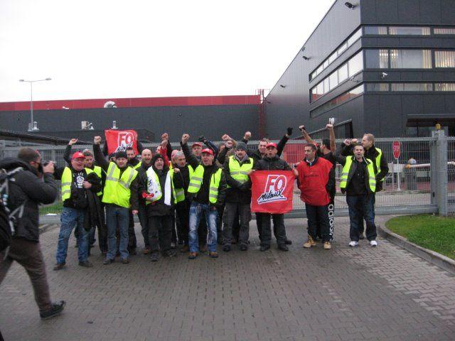 Un reportage photo sur la visite le 28 novembre de solidarité militante des ouvriers de TRW Dijon en Pologne