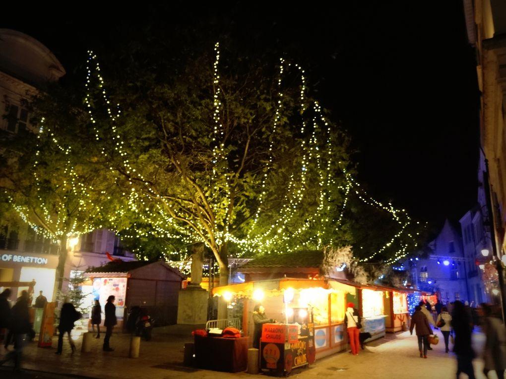 Marché de Noël 2013 au centre ville d'Orléans. Le programme est sur ce blog http://www.clodelle45autrement.fr/article-marche-de-noel-a-orleans-du-4-au-29-decembre-2013-a-la-poursuite-de-nanouk-facetieux-ours-blanc-121285220.html