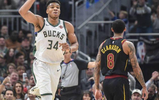 Milwaukee sugne une 18ème victoire consécutive, les Rockets tombent à domicile face aux Pistons