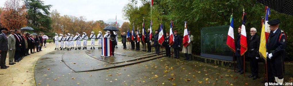 Cérémonie de commémoration de remise de la Croix de la Libération à la ville de Grenoble