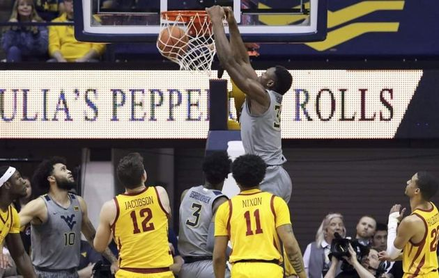 NCAA : Oscar Tshiebwe guide le West Virginia avec un double-double