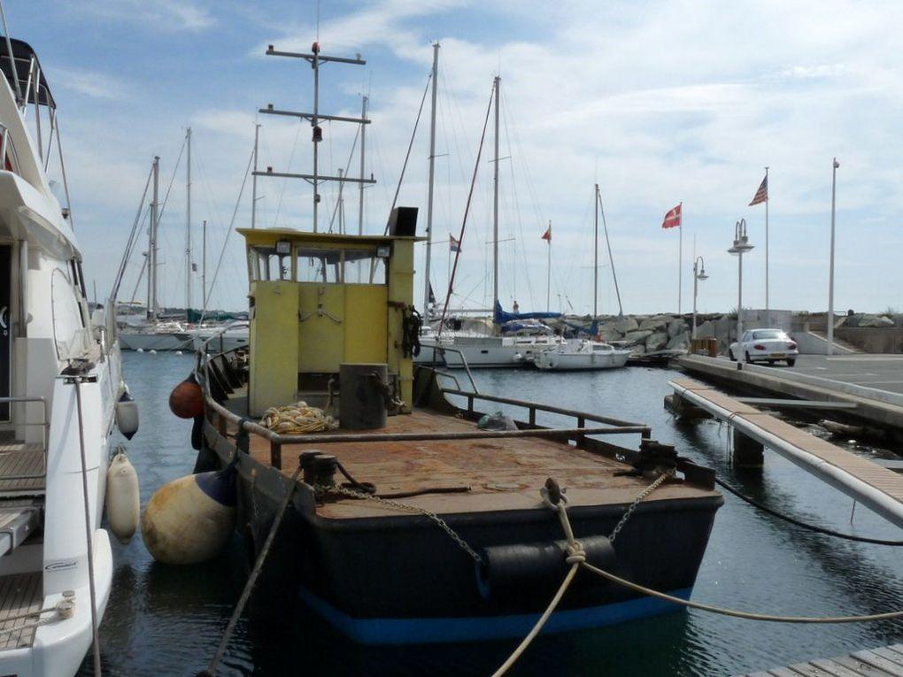 ESTELLE , remorqueur , batiment de soutien dans le port de Fréjus