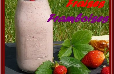Smoothies aux fruits rouges et banane