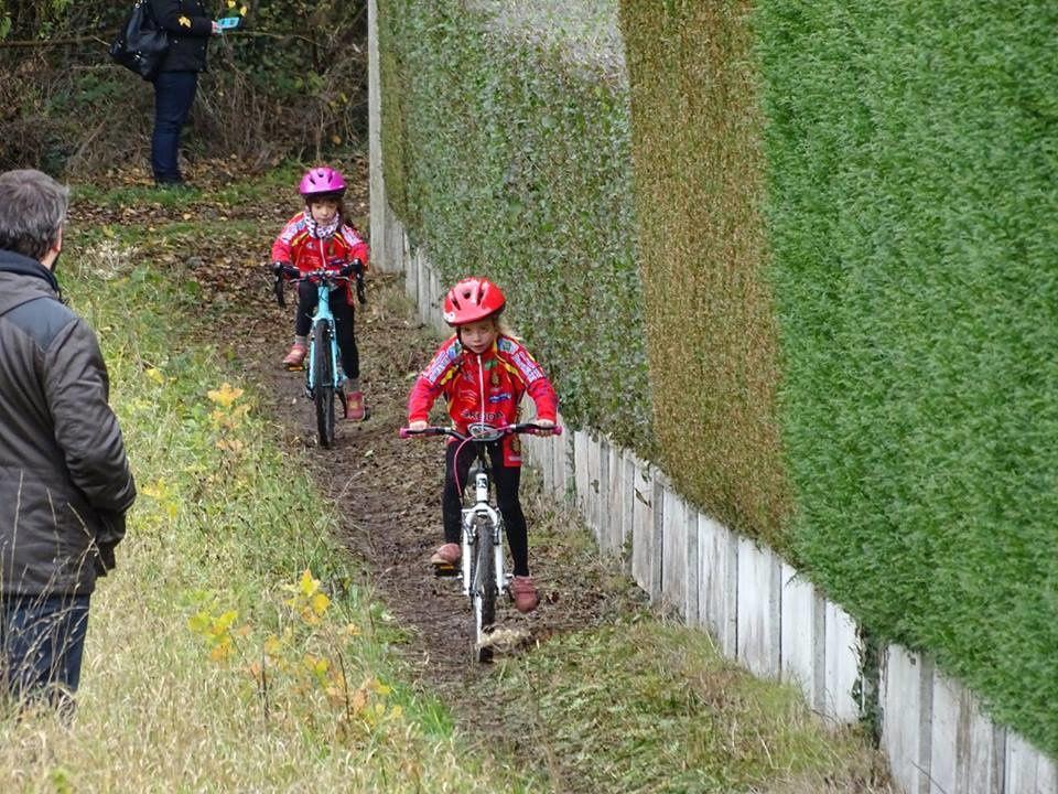 Album photos de l'école de vélo à Emancé (78)