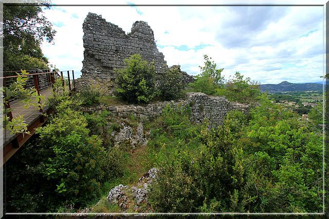 Diaporama château de Vallon Pont d'Arc