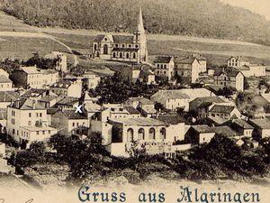 L'ancienne église (X) place du marché en 1902