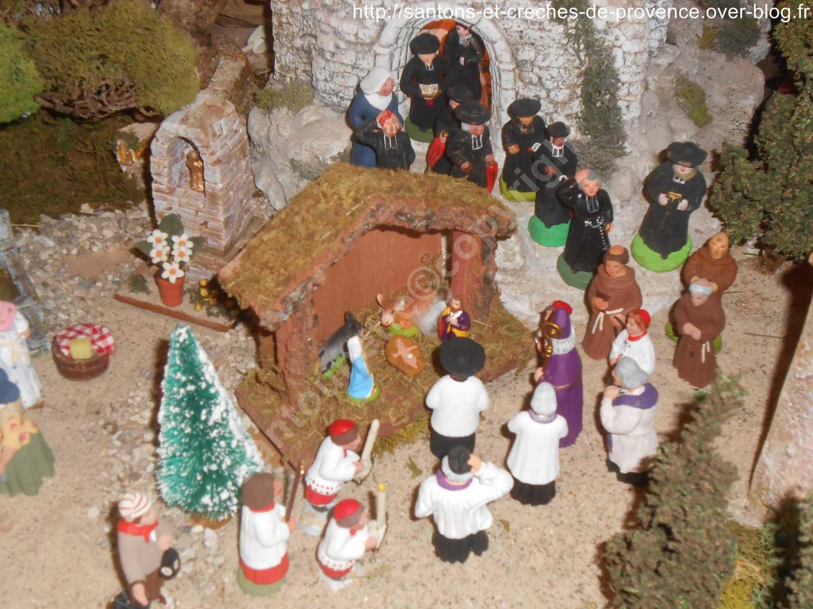 Arrivée de la procession devant la Nativité