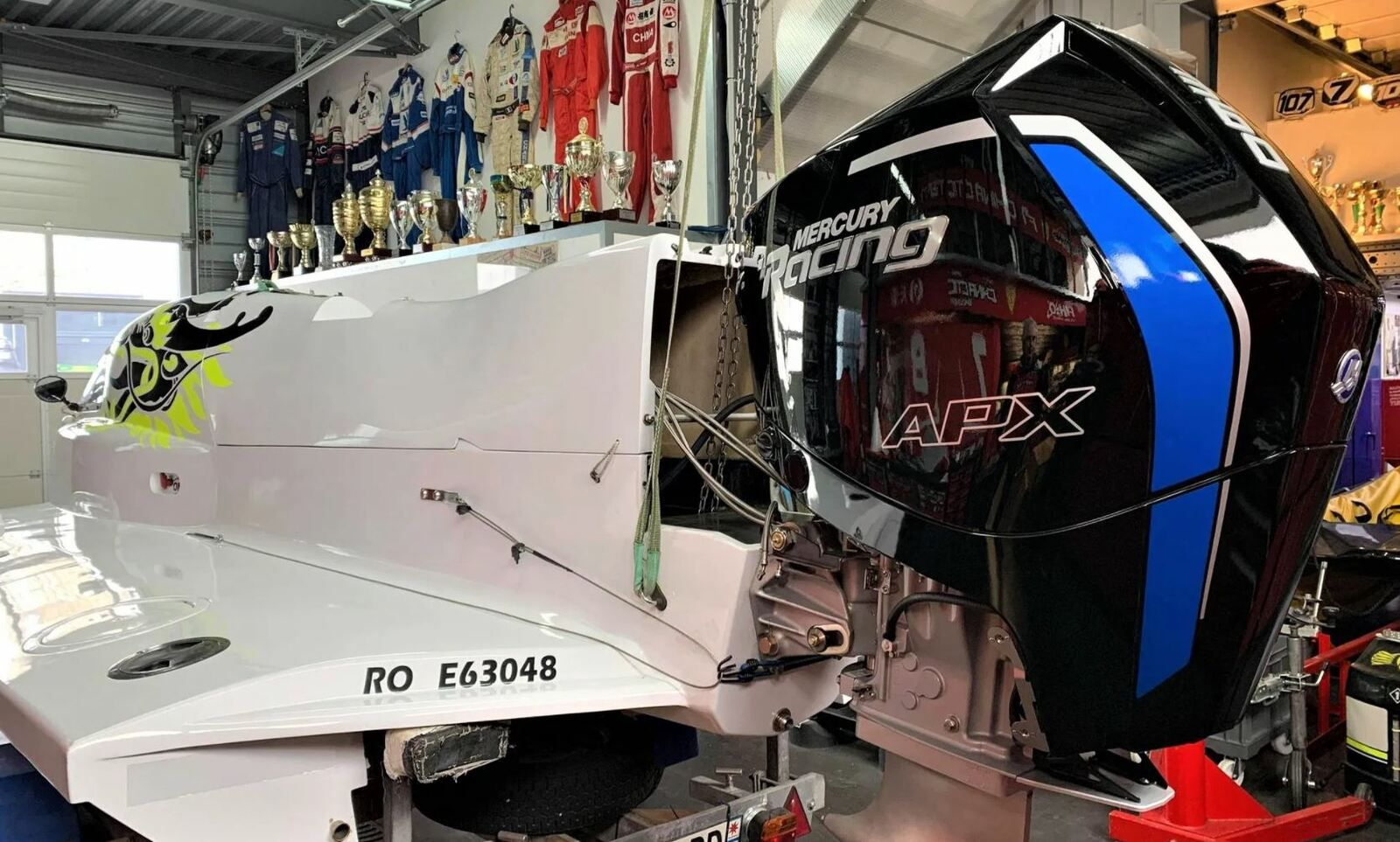 The first European Mercury Racing 360 APX outboard engine, received in La Rochelle France