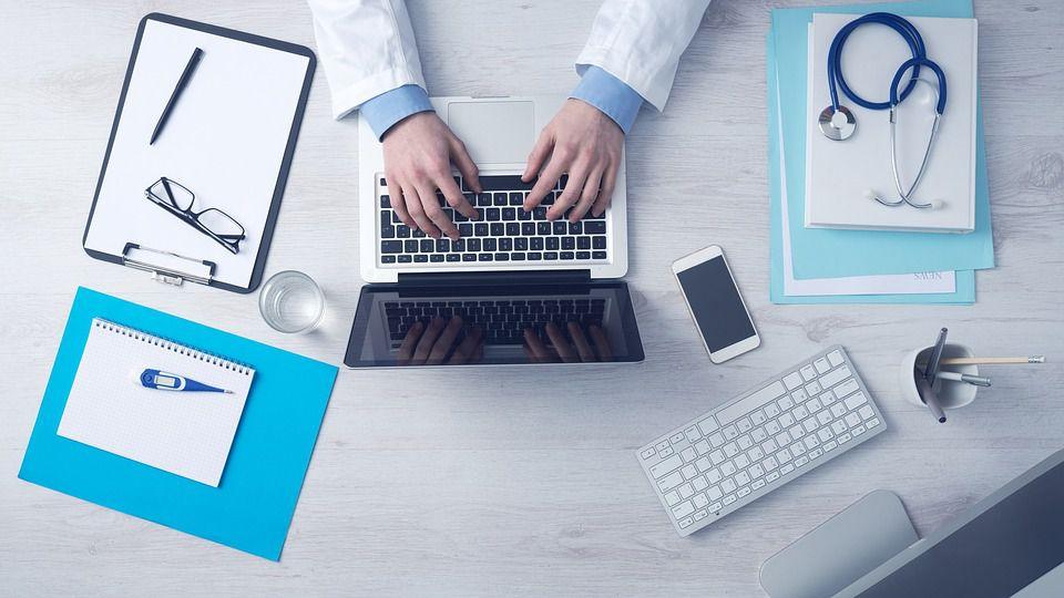 Médicaments : des études cliniques truquées ?