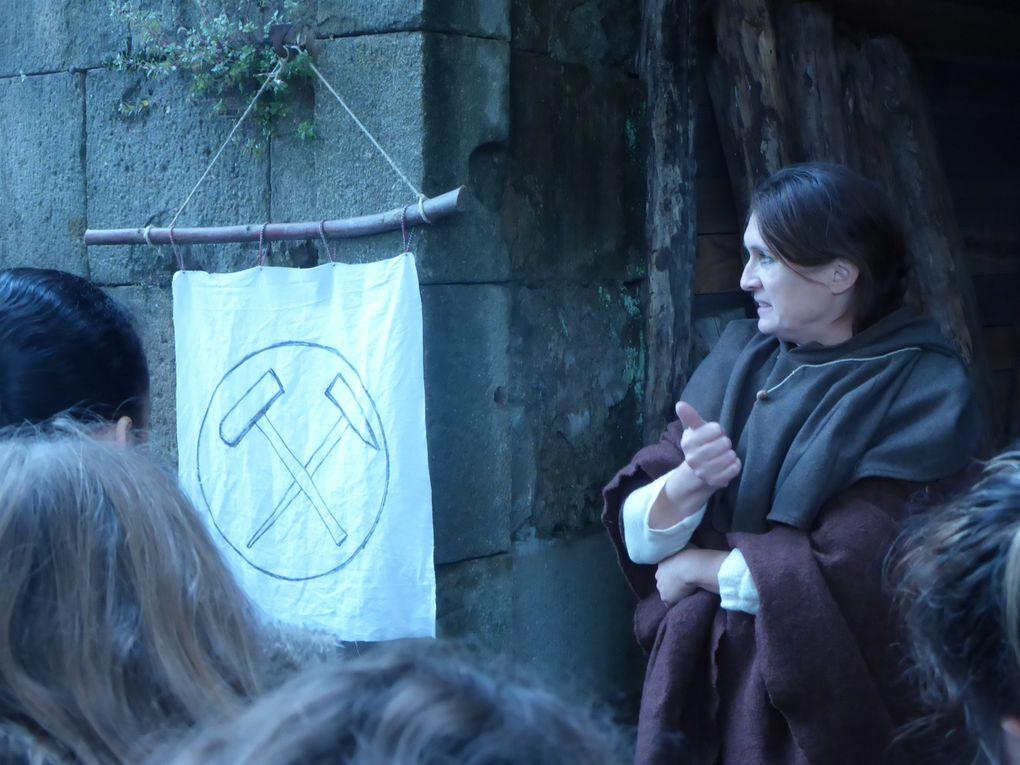 Au-delà du temps : Ateliers Moyen Age au château de Largentière (2/3)