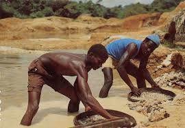 Imágenes de explotación infantil en Angola.- El Muni.