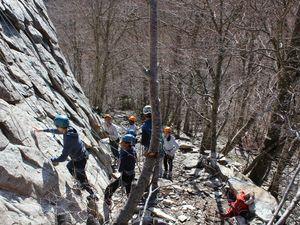 Jour 2: Escalade à la Roche Tuliere et course d'orientation à Pessade