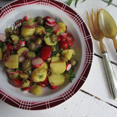 Salade de pommes de terre et pickles de tomates vertes