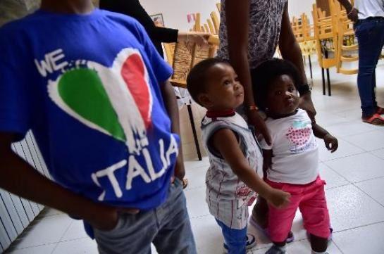 Sardio : malriĉa regiono, solidara kun la migrantoj