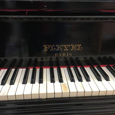 Arrivée du piano au batiment B