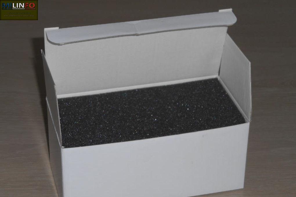 Diaporama 1 : exceptionnellement, les R-35 er R39 ne sont pas présentés en boite vitrine. Leur boite carton, dans laquelle la miniature est bien calée et protégée par différentes couches de mousse, n'est pas sans rappeler les boites des premières références Master Figther.