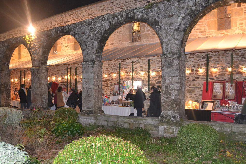 Le soir à Léhon: l'abbaye pour cadre du marché de Noël 2018.