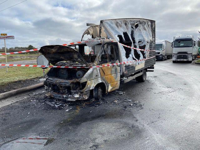 Camionnette en feu