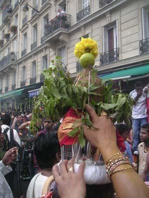 Ballade parisienne dans le pays tamul....