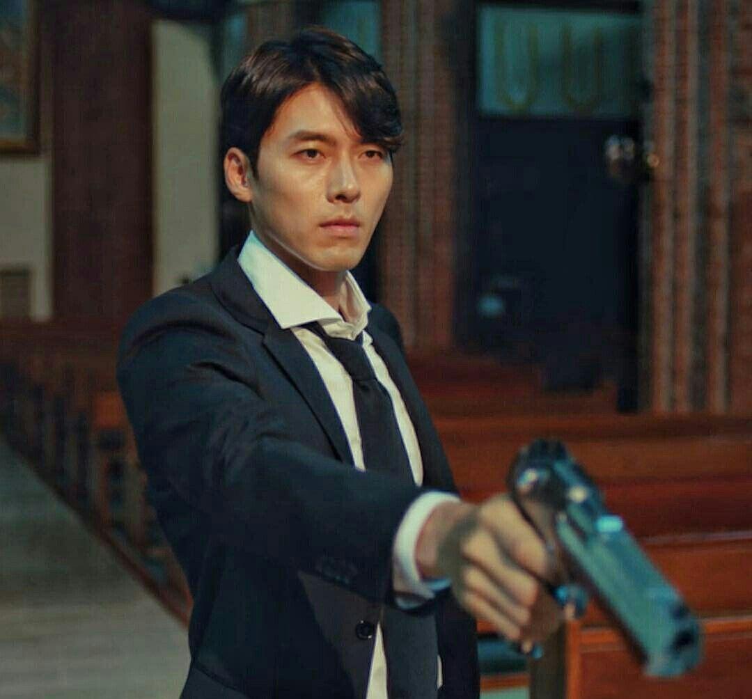 Jin-woo joué par Hyun-bin, une célébritée en Corée. Il a reçu plusieurs prix et nominations et j'avoue, il a assuré pour ce drama.