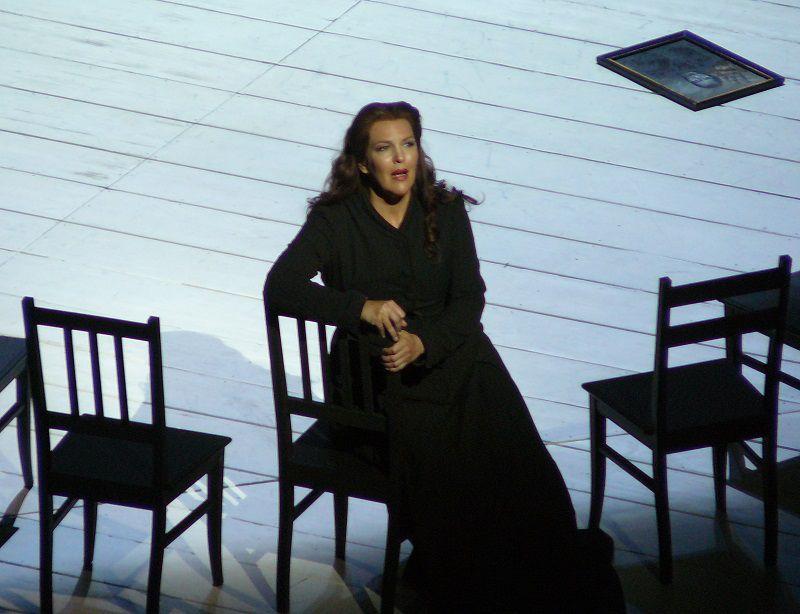 Adrianne Pieczoncka (Senta)