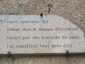 Cette plaque est posé sur l'église de Mirabel