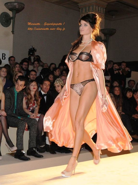 Défilé Etam Lingerie au Ritz. Présentation collection 2010. Natalia Vodianova.