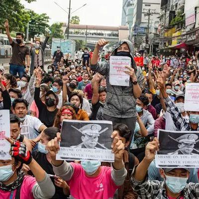 Birmanie : La télévision d'Etat avertit de possibles « actions » contre les menaces à « la sécurité publique »