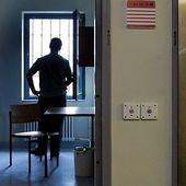 Gefängnisse in der Coronakrise: Eingesperrt und isoliert